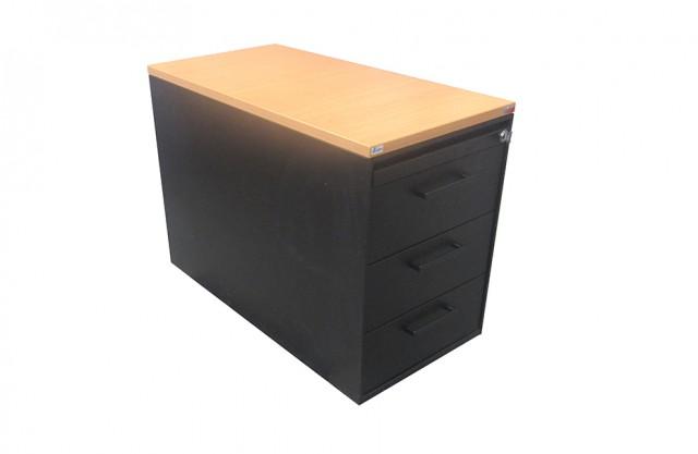 Cassettiera con tavolato in legno
