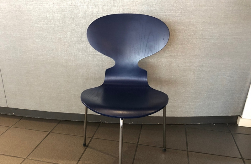 Sedia Fritz Hansen modello Ant Chair