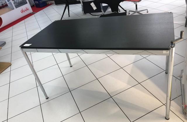 Tavolo regolabile USM